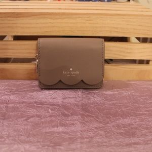 NEW kate spade Piper Magnolia St Scallop Wallet